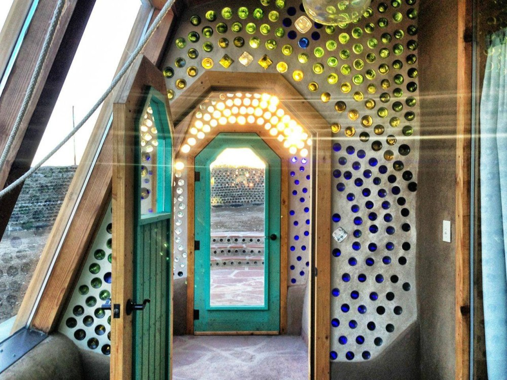 Arch2O-Earthships_Michael_Reynolds-26